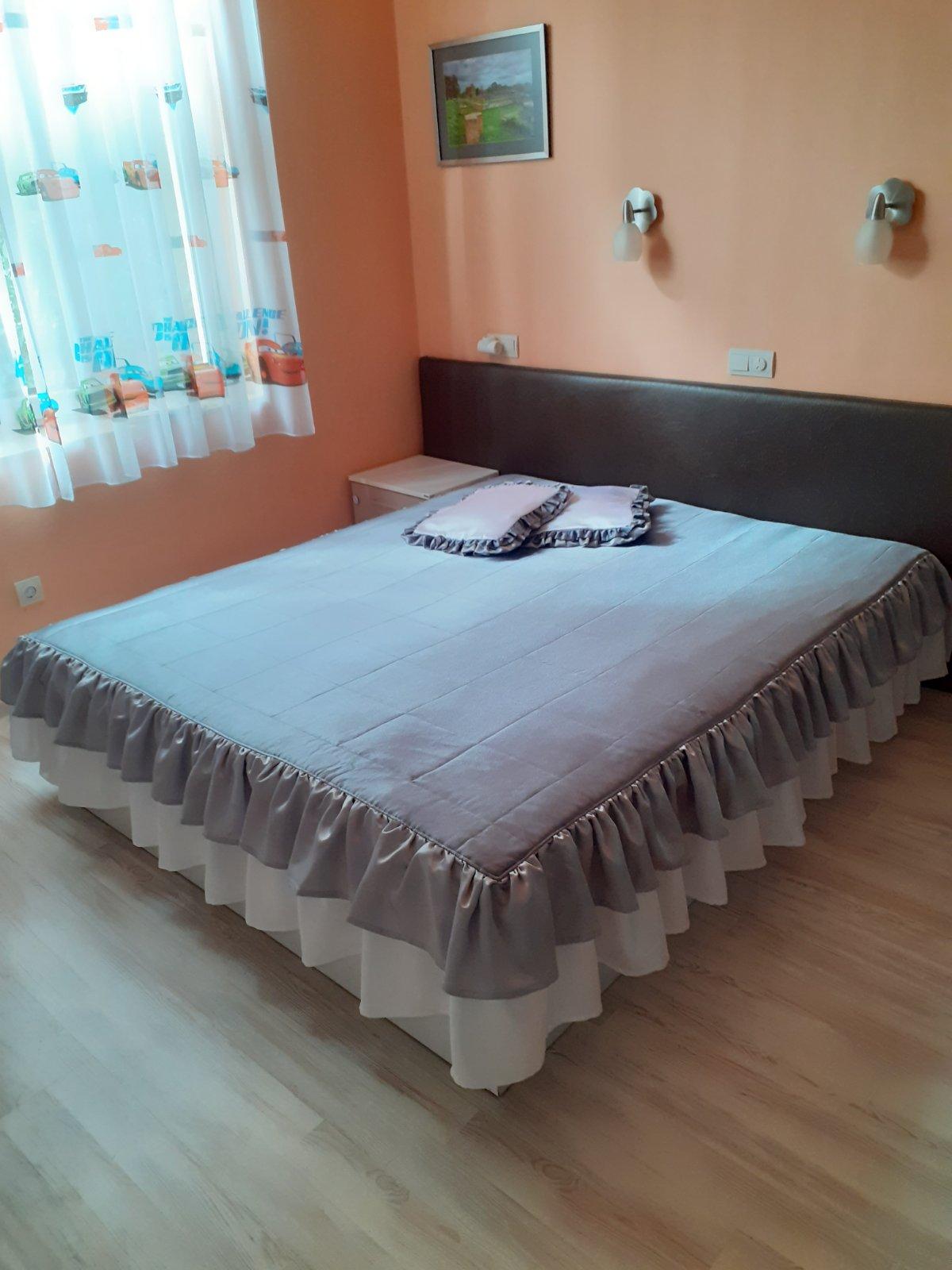 Покривала за легла, Холови гарнитури
